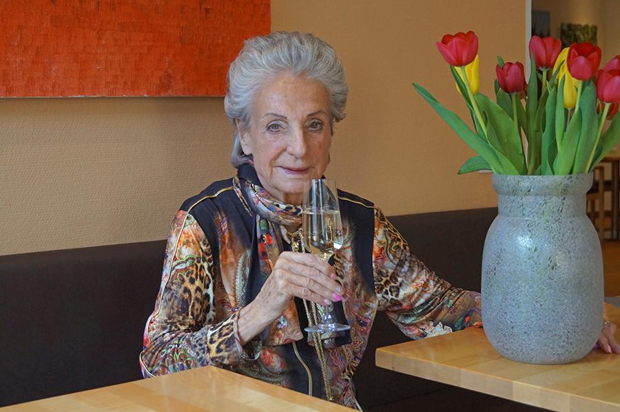 Neu residenz spiegel april ausgabe seniorenresidenz for Redaktion spiegel